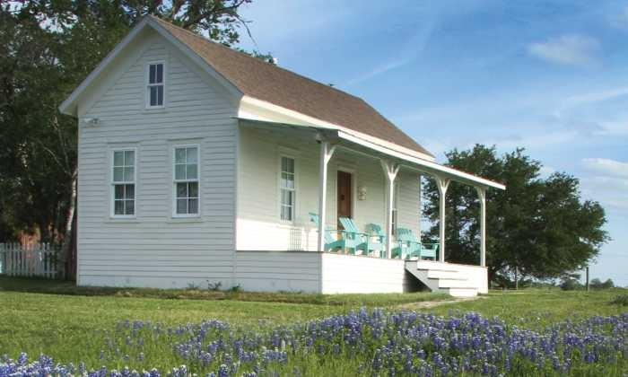 700X420 Blackbird Farm Sealy House