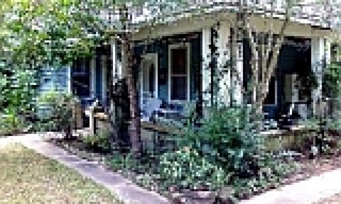 Overnight Omas Hill Country Cottage