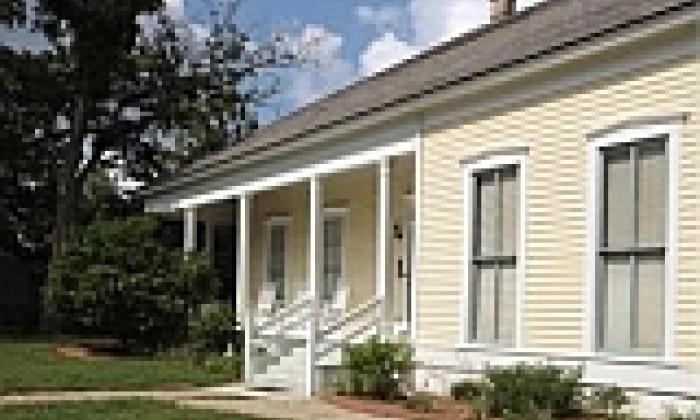 Overnight Prairie Street Heritage House