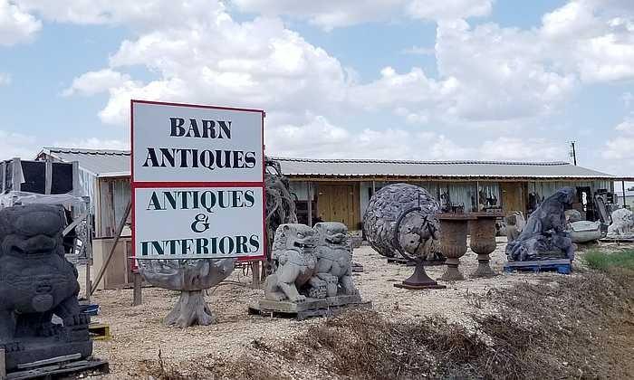 700X420 Antiques Interiors