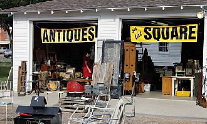Show Antiques On The Square